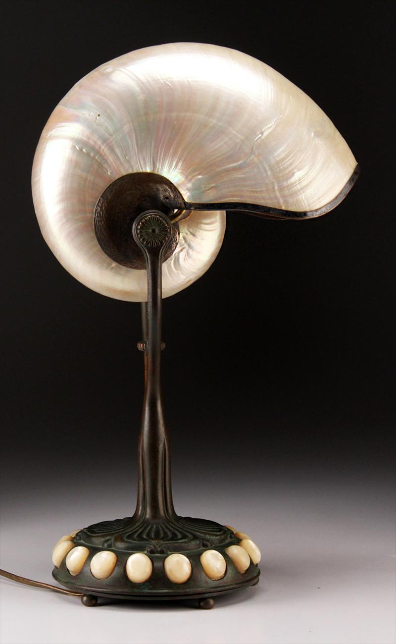 iGavel Auctions: Tiffany Studios Nautilus Shell Lamp D1SD6 D1SD
