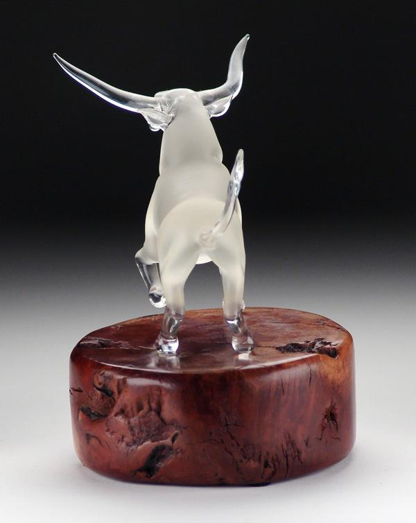 Igavel Auctions Blown Glass Bull Sculpture Signed Hooper