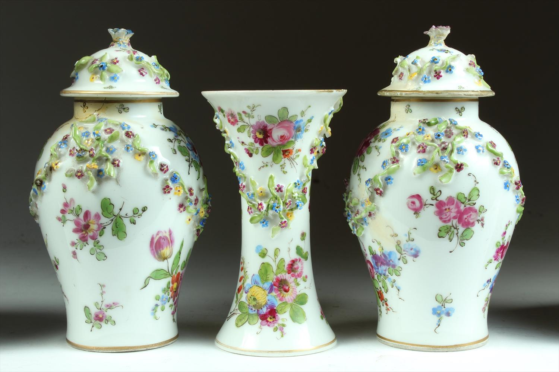 iGavel Auctions: Group of 6 European Porcelain Articles DA6BA