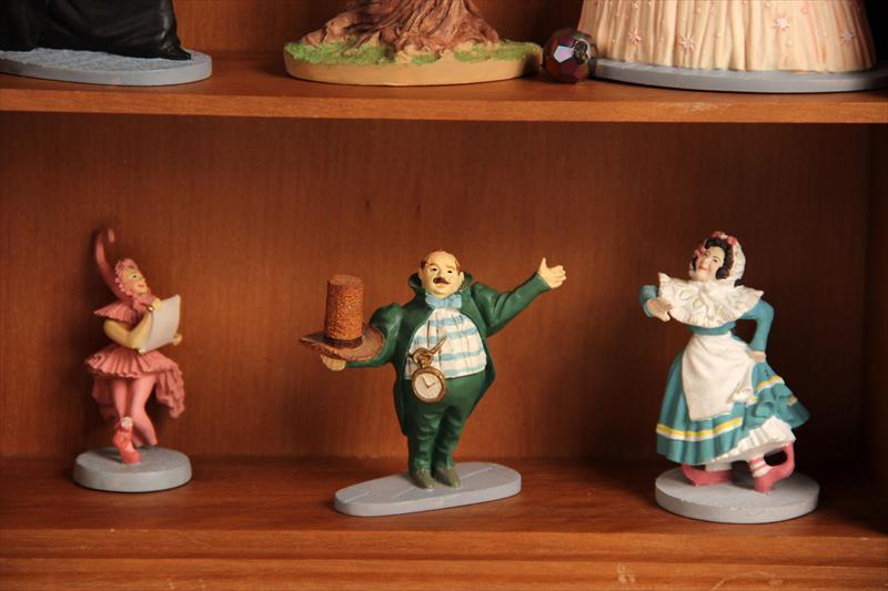 Igavel Auctions Franklin Mint Wizard Of Oz Figurine Set