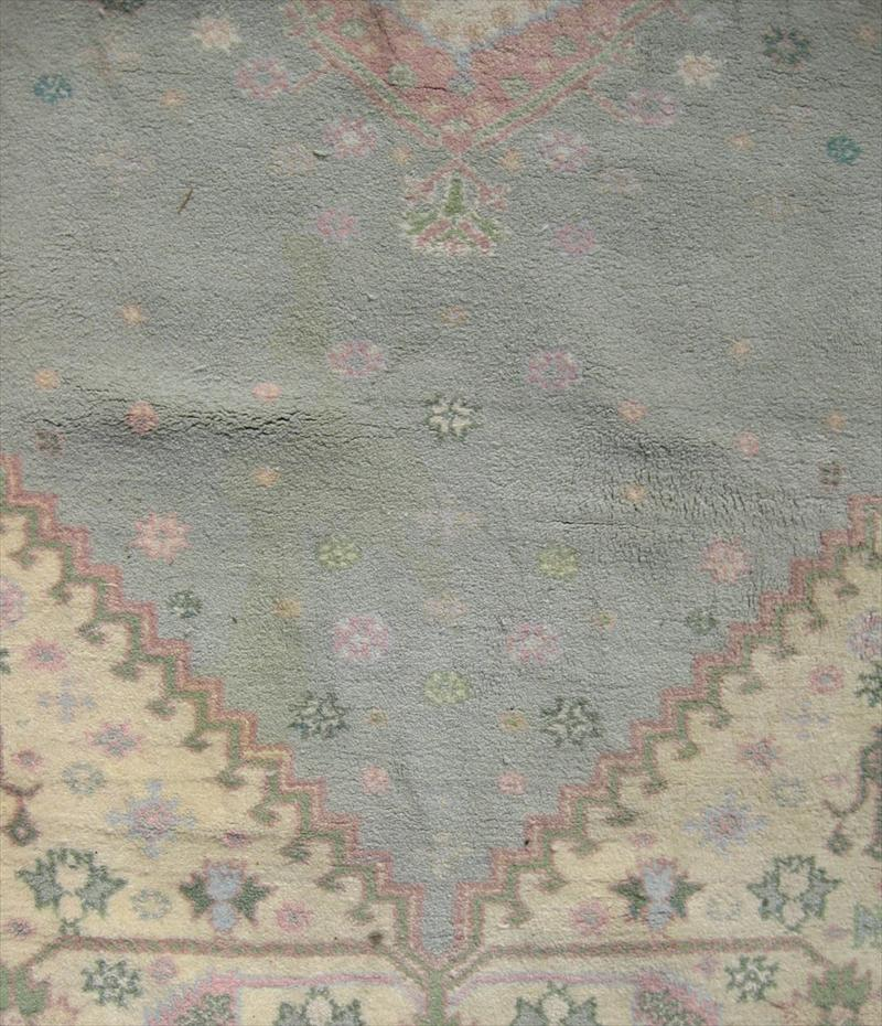 IGavel Auctions: Moroccan Rug, In Colors Of Light Green