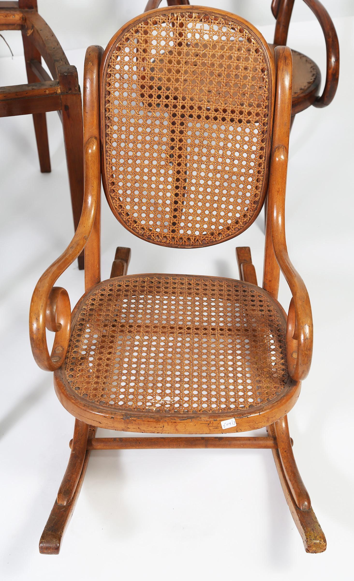 iGavel Auctions Josef Hoffman Bentwood Child s Chair 3 Thonet